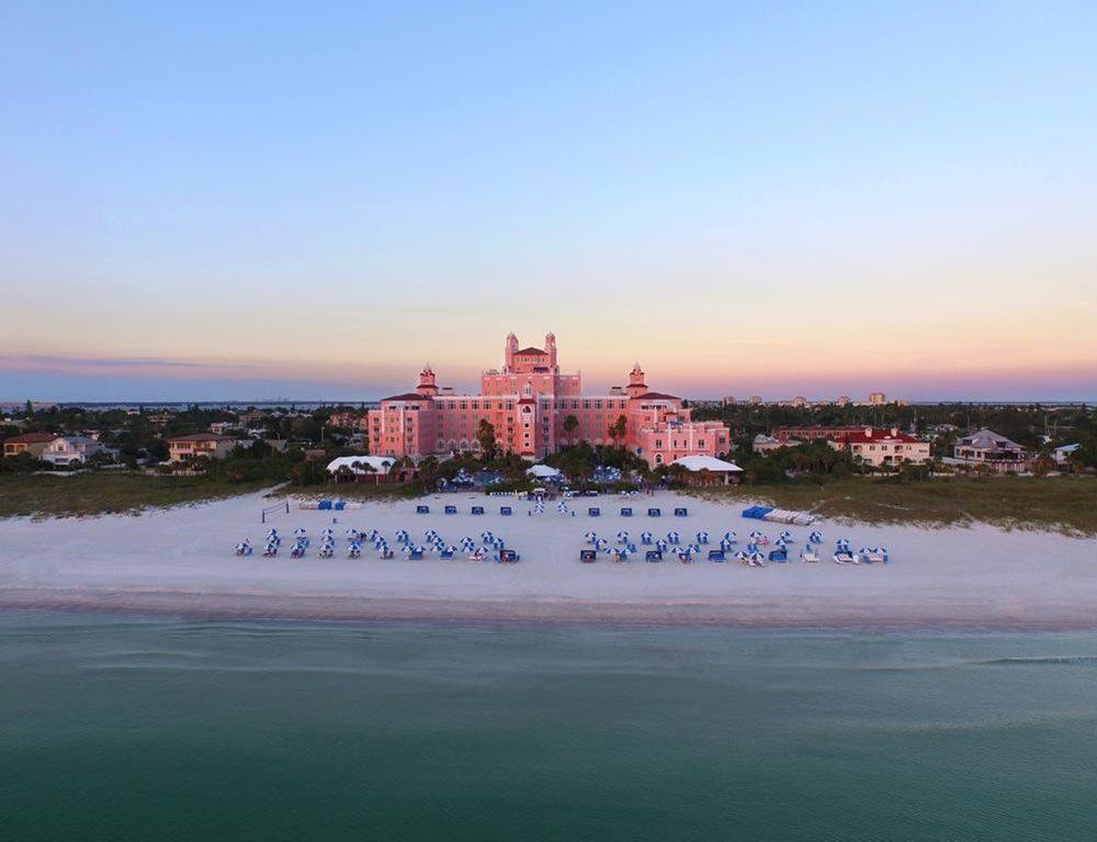 living-coral-hotel-beach