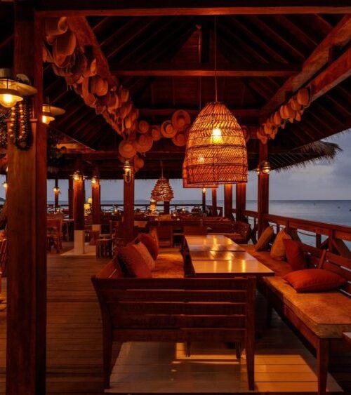 Basil´s-bar-mustique-island-1-1000x563