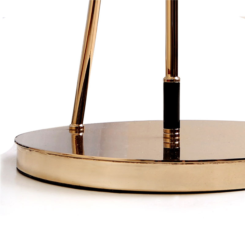 Black widow ii table lamp detalhe 4