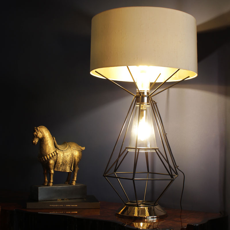 Nola table lamp