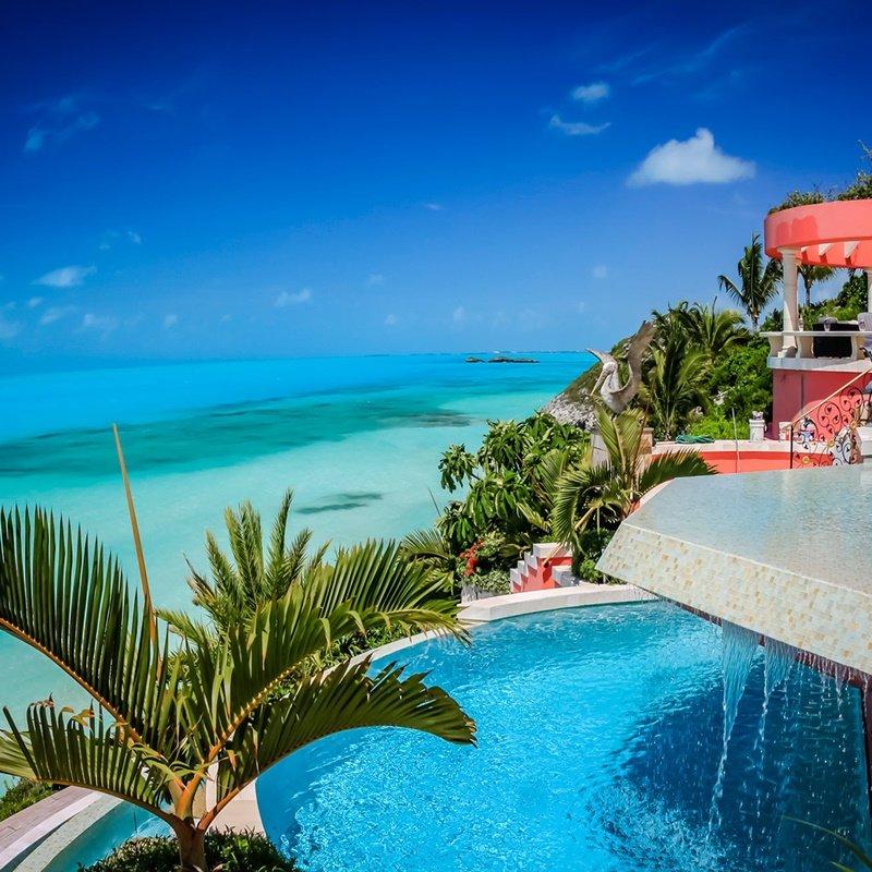 Villa mani turks caicos living coral 1
