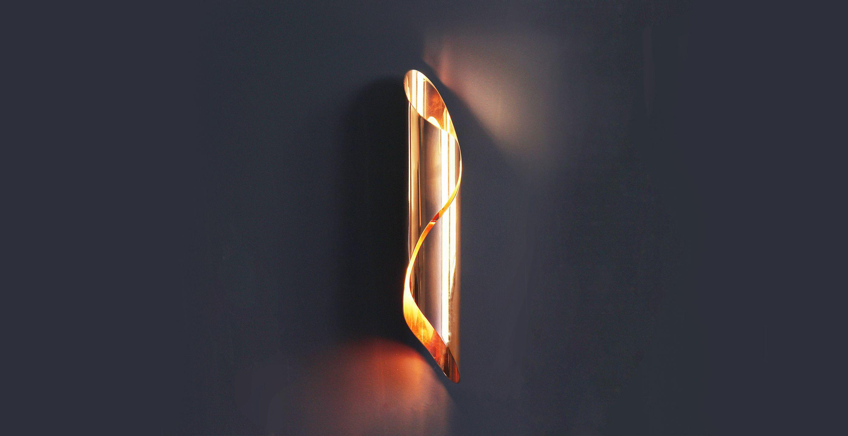 Arrow Wall Lamp