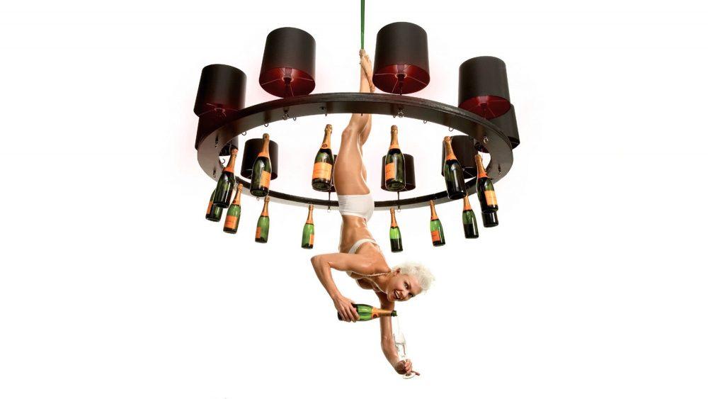 marcel-wanders-happy-hour-chandelier-champagne
